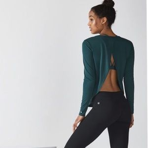 Fabletics • Green Millie Open Back Long Sleeve Top